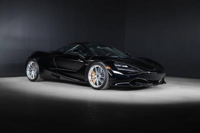 McLaren Automotive delivers 1,000th new vehicle in Canada to close out 2020