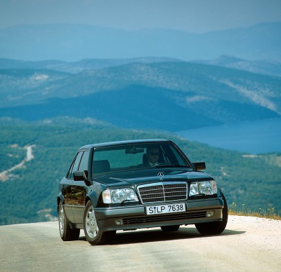 The powerhouse of the 124 model series: A highly sought-after young classic: the Mercedes-Benz 500 E