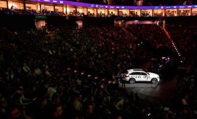 Mercedes-Benz sets standards in eSports: 10,000 spectators on site celebrate the Mercedes-Benz MVP