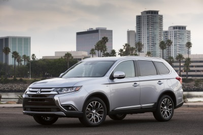 2017 MITSUBISHI OUTLANDER* AWARDED INSURANCE INSTITUTE FOR HIGHWAY SAFETY (IIHS) TOP SAFETY PICK+