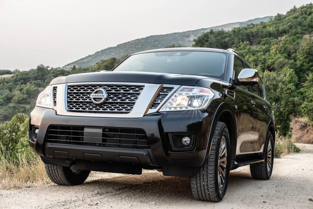Nissan Leaf Armada Earn Kelley Blue Book 5 Year Cost To Own Awards At Chicago Auto Show