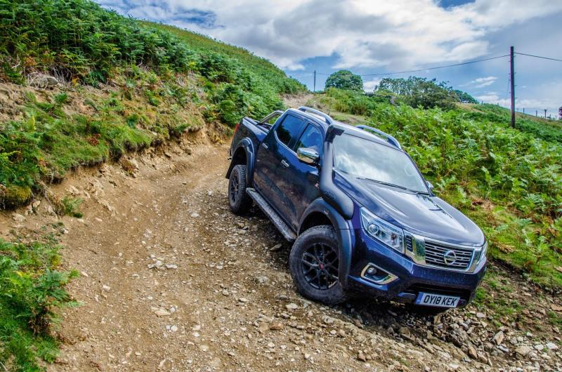 Best Off Road 4x4 >> Nissan Navara Off Roader At32 Toughs It Out To Win Best Off