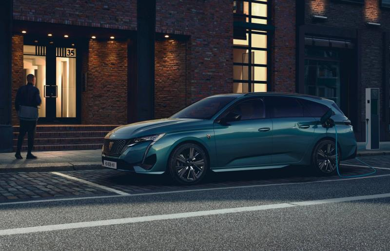 70% of PEUGEOT models electric in 2021