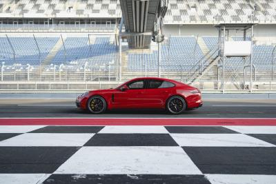 New Panamera GTS And Panamera GTS Sport Turismo Make World Premiere