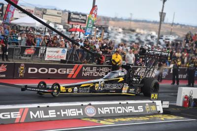 Pritchett Powers Mopar Dodge 1320 To Fastest Run Ever At Bandimere, Keeps No. 1 Spot At Mile-High NHRA Nationals