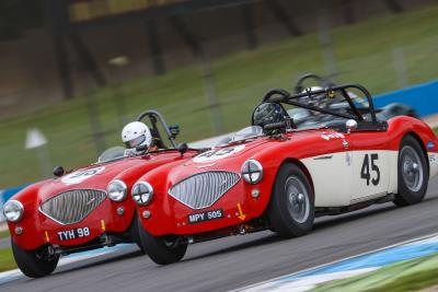 400+ Historic Racing Cars Rev Up For Donington Historic Festival