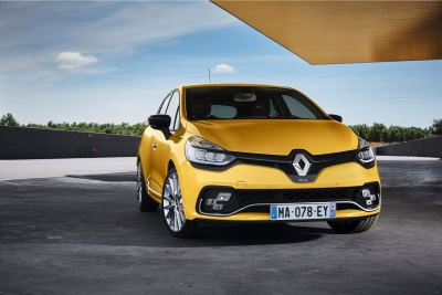 NEW RENAULT CLIO R.S. AND NEW CLIO GT LINE LOOK PACK: DRIVING ENJOYMENT AND  STYLE BY RENAULT SPORT