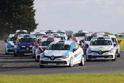 2017 Renault UK Clio Cup Title Within Bushell's Grasp At Rockingham