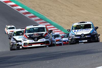 Wins For Rivett & Coates In Opening Renault UK Clio Cup Rounds At Brands Hatch
