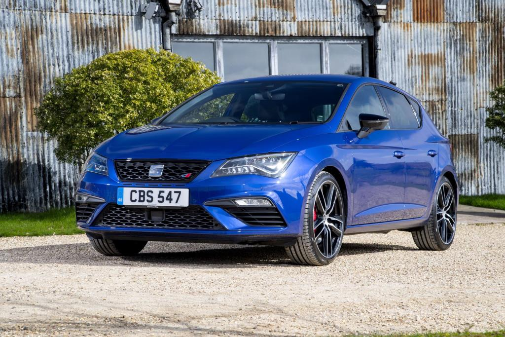 seat makes leon cupra 300 range even more enticing with savings of