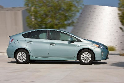 Toyota Introduces 2013 Prius Plug-In Mpg Challenge