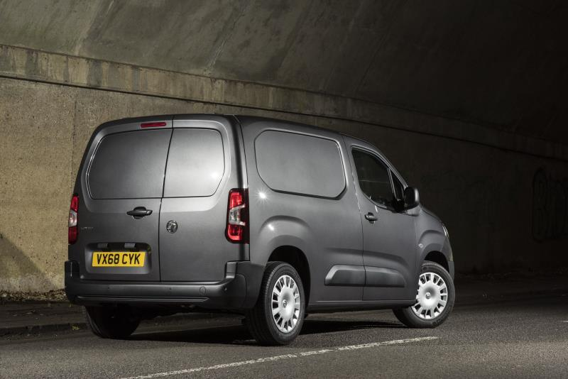 f8855a3739f173 Vauxhall Combo Voted International Van Of The Year 2019