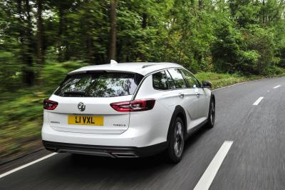 Vauxhall'S Insignia Country Tourer Named Top Crossover Estate At 4X4 Magazine Awards