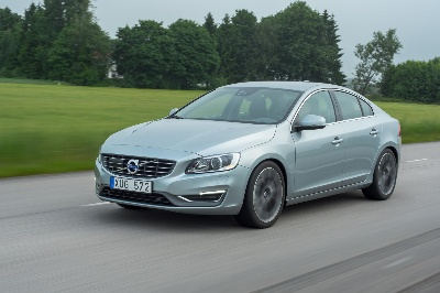 VOLVO S60 AND XC60 GET 'SUPERIOR' RATING IN NEW TEST OF FRONT CRASH PREVENTION SYSTEMS