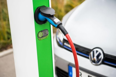 VOLKSWAGEN GROUP INVESTS IN HUBJECT, THE LEADING EROAMING PLATFORM FOR EUROPE-WIDE CHARGING OF ELECTRIC VEHICLES