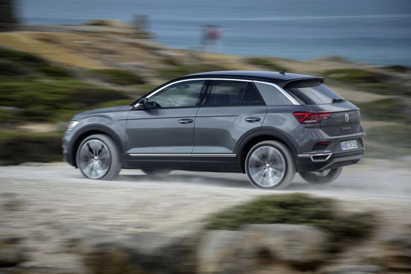 volkswagen adds tempting offer to stylish t roc design and sporty r line trims. Black Bedroom Furniture Sets. Home Design Ideas