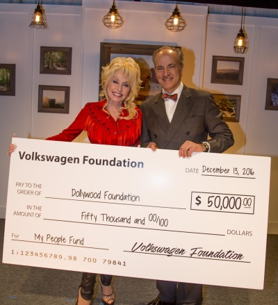 VOLKSWAGEN GROUP OF AMERICA FOUNDATION DONATES $50,000 TO THE DOLLYWOOD FOUNDATION TO AID TENNESSEE WILDFIRE RELIEF