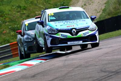 Zelos Continues With WDE Motorsport For 2018 Renault UK Clio Cup