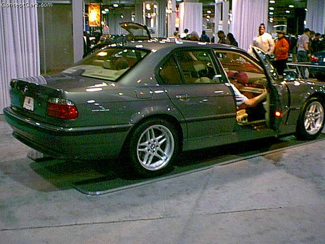 2001 BMW 740i History, Pictures, Sales Value, Research and News