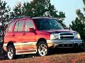 2001 Chevrolet Tracker image.