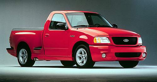 1999 ford f 150 lightning history pictures value auction sales rh conceptcarz com Ford F-150 SVT Lightning Ford F 150 Lightning Specs