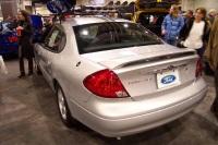 2002 Ford Taurus image.