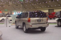 2002 GMC Envoy image.
