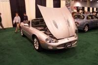 2002 Jaguar XKR image.