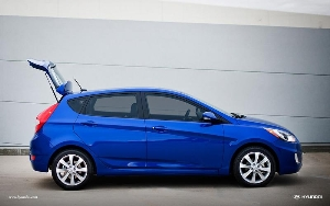 Acclaimed Hyundai Accent Subcompact Picks Up More Standard Features and Gives Shoppers More Choices For 2013 Model Year
