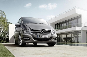 Exclusive, stylish and dynamic: the Viano PEARL. The new Limited Edition from Mercedes-Benz