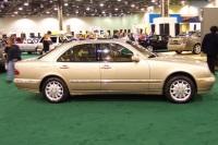 2002 Mercedes-Benz E320 image.
