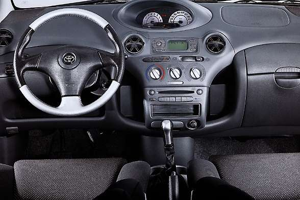 2001 Toyota Yaris
