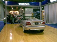 2001 Volvo C70 image.